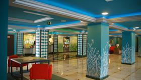 斯特拉北極星皮埃爾假日酒店 - 托雷莫里諾斯 - 托雷莫利諾斯 - 大廳
