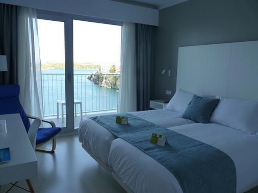Hotel Artiem Carlos III - Adults Only - Es Castell - Bedroom