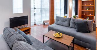 Friendhouse Apartments - Aparthotel - Krakow - Living room