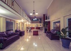 Hotel Bravo - Tepic - Lobby