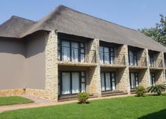 Inkwazi Country Lodge - Pretoria - Edificio