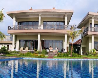 Ocean View Tulamben Dive And Resort - Kubu - Gebäude