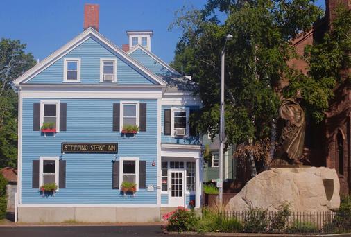Stepping Stone Inn - Salem - Gebäude