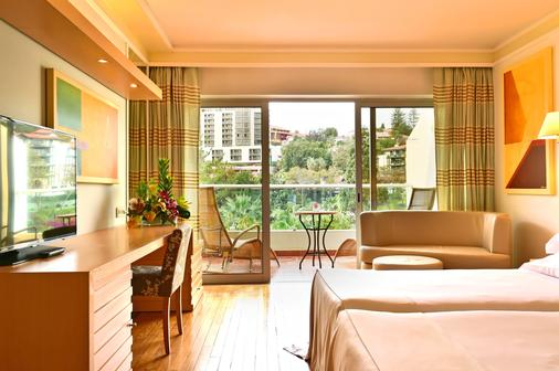 Pestana Carlton Madeira Ocean Resort Hotel - Funchal - Parveke