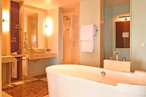Pestana Carlton Madeira Ocean Resort Hotel - Funchal - Kylpyhuone