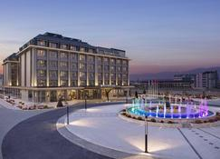 DoubleTree by Hilton Skopje - Skopje - Building