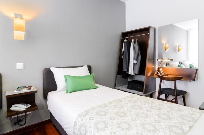 Hotel Portuense - Lisbon - Bedroom