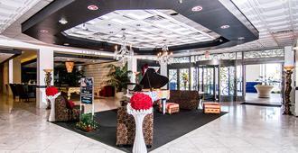 Royal Resort - Las Vegas - Lobby