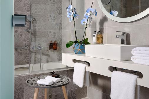 神話皇宮溫泉渡假村 - 喬歐多普利思 - 耶奧伊烏波利斯 - 浴室