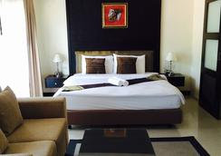 Enjoy's Beach House Karon - Karon - Bedroom