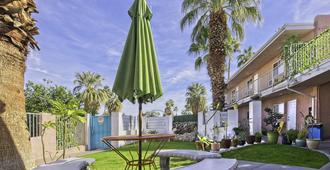 Inn at Palm Springs - פאלם ספירנגס - נוף חיצוני