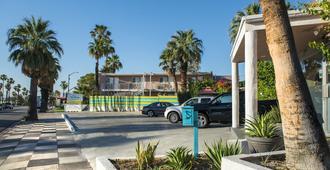 Inn at Palm Springs - Palm Springs - Building