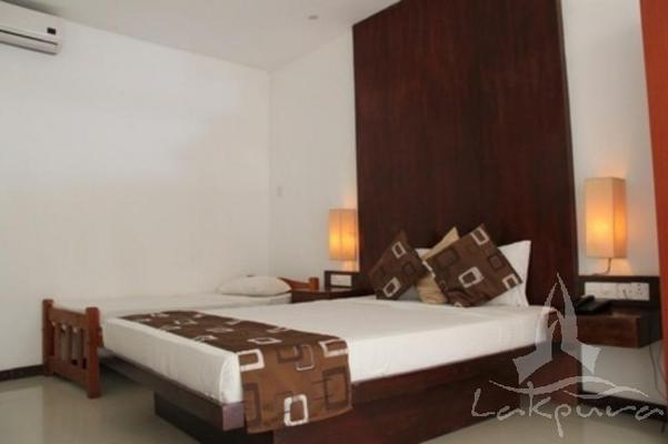 Lake Wind Hotel - Tissamaharama - Bedroom