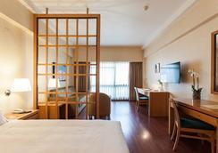 Hotel Roma - Lisbon - Bedroom