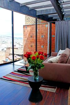 Hotel Casa Gardenia - Quito - Living room