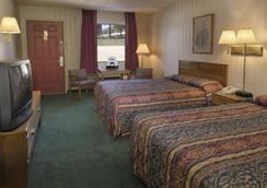 Express Inn - Eureka Springs - Bedroom