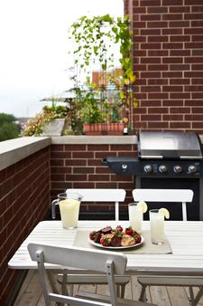 The Guesthouse Hotel - Chicago - Balkon