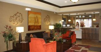 Parkwood Inn & Suites - Manhattan
