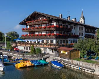 Seehotel Wassermann - Seeon-Seebruck - Building