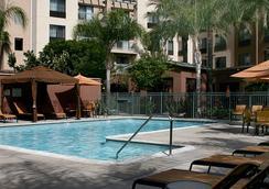 Courtyard by Marriott Los Angeles Burbank/Airport - Burbank - Pool