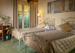 安蒂卡羅卡丹帕爾米耶旅館 - 羅馬 - 羅馬 - 臥室
