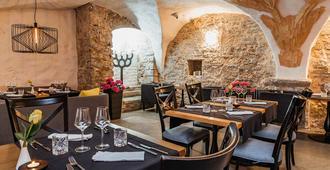 Meriton Old Town Garden Hotel - טאלין - מסעדה