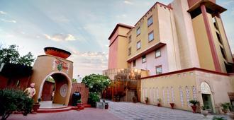 Pink Pearl Resort and Funcity - Jaipur - Building