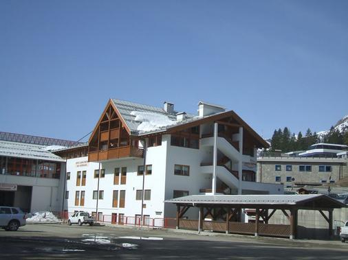 Hotel Fortini - Madonna di Campiglio - Building