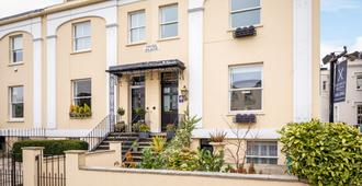 Crossways Guest House - Cheltenham