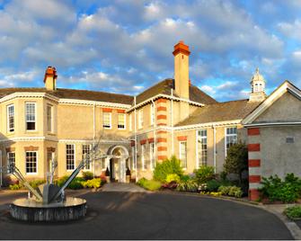 Leverhulme Hotel - Wirral - Building