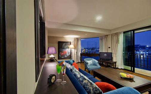 Baan Wanglang Riverside - Bangkok - Living room