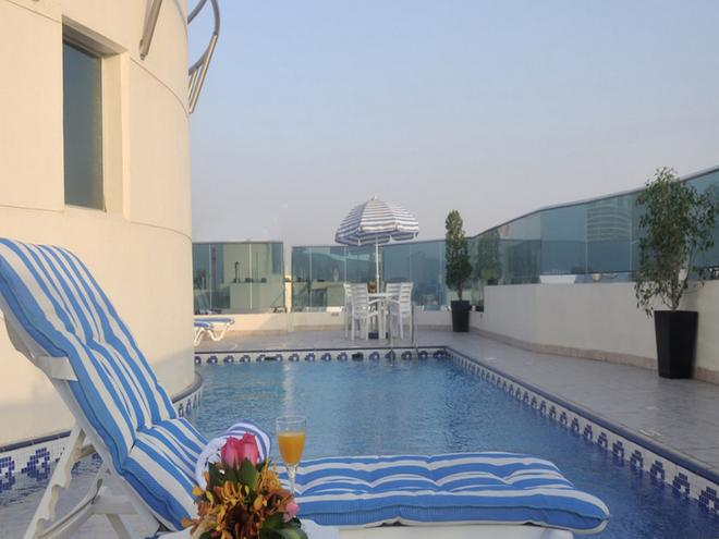 Xclusive Hotel Apartments - Dubai - Pool