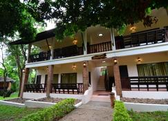 تاتش ستار ريزورت - تشوم ثونغ - مبنى