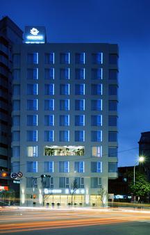 Ambience Hotel Taipei - Taipei - Building
