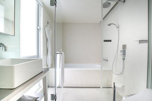 Ambience Hotel Taipei - Taipei - Bathroom