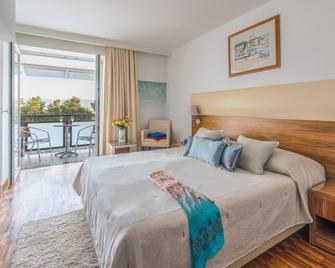 Bluesun Hotel Elaphusa - Bol - Bedroom