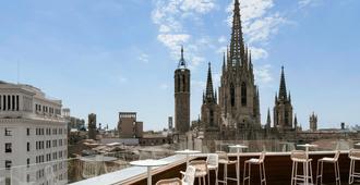 Hotel Colón Barcelona - Barcelona - Balcony
