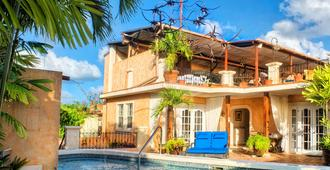 Little Arches Boutique Hotel Barbados - Adults Only - Oistins