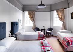 Grand Hotel - Sydney - Bedroom