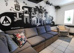 Hi Montreal Hostel - Montreal - Living room