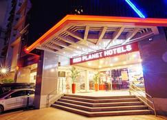 Red Planet Manila Makati - Makati - Bina