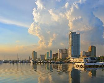 Red Planet Manila Mabini - Manila - Pemandangan luar