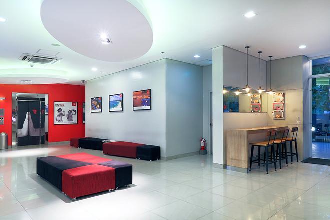 Red Planet Manila Ortigas - Manila - Lobby