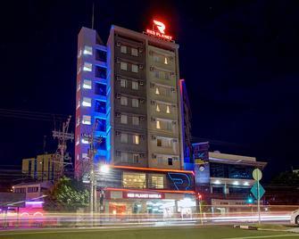 Red Planet Cebu - Cebu City - Building