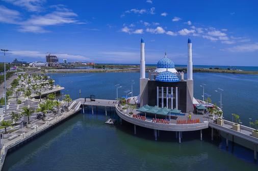Red Planet Makassar - Makassar - Nähtävyydet