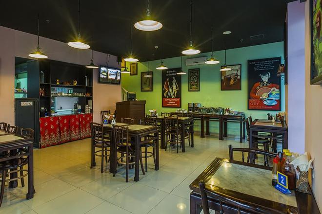 Red Planet Solo - Surakarta City - Restaurant