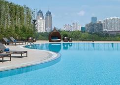 上海巴黎春天新世界酒店 - 上海 - 游泳池
