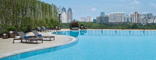 New World Shanghai Hotel - Shangai - Piscina