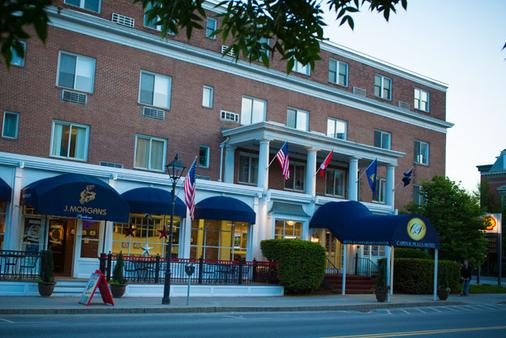 Capitol Plaza Hotel & Conference Center - Montpelier - Building