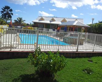 Residence Villa Bleu Marine - La Trinité - Buiten zicht